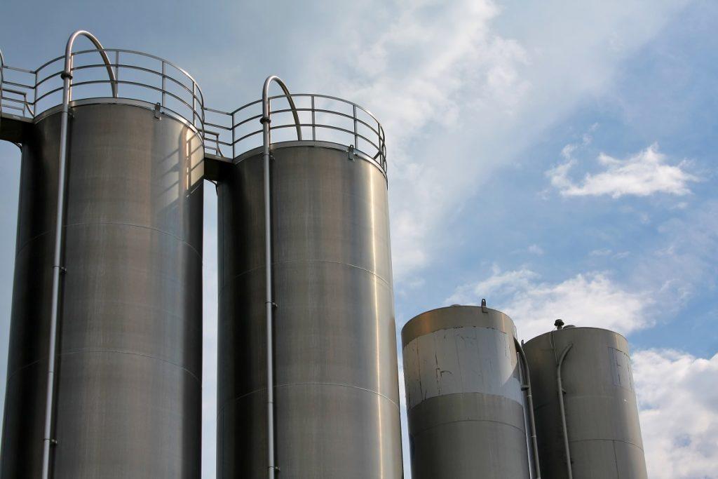 Vertical steel tanks